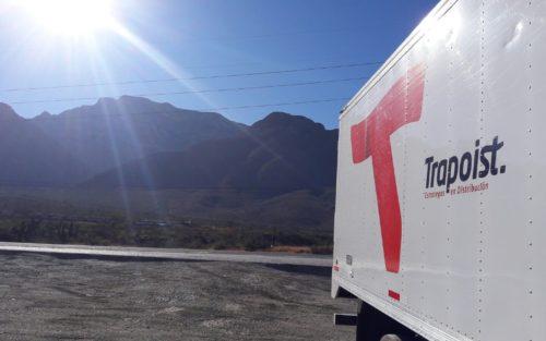 Un Hino 1018 tomando el sol en Coahuila